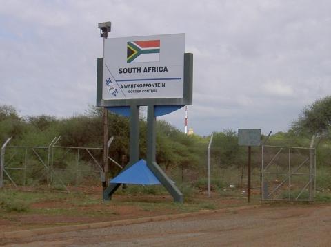 Mmabotho on South Africa border with Botswana